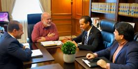Carlos Méndez se reúne con Elmer Román para analizar la situación criminal en Vieques