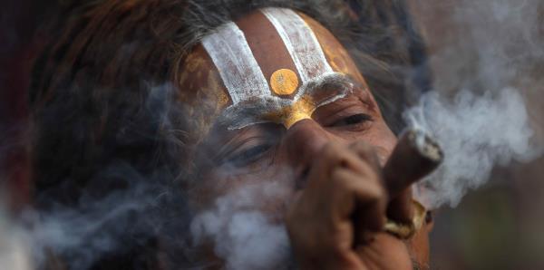 Así veneran a Shiva, el dios de la muerte y la destrucción en India
