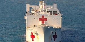Así es el buque hospital USNS Comfort que llegó a la isla