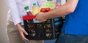 Servicios de venta de café, frutas, vegetales y otros productos locales que tienen delivery o envían por correo