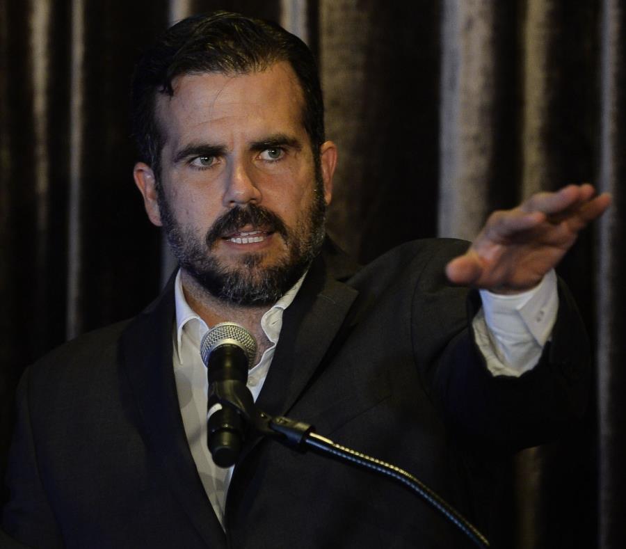 """""""Ha hecho un trabajo ante unas circunstancias muy difíciles, le tengo gran respeto a Héctor Pesquera"""", dijo el gobernador. (semisquare-x3)"""