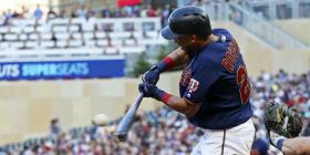 Eddie Rosario suma cuatro hits en la victoria de los Twins