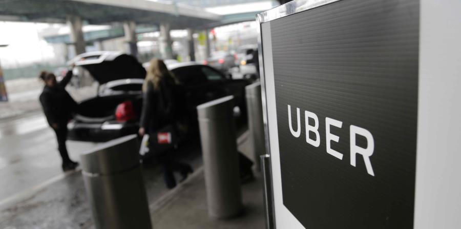 El aeropuerto de La Guardia, en Nueva York, tiene un área donde se recogen a los usuarios de Uber. (AP) (horizontal-x3)