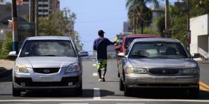Limitaciones de tránsito vehicular por el coronavirus entran en vigor el martes