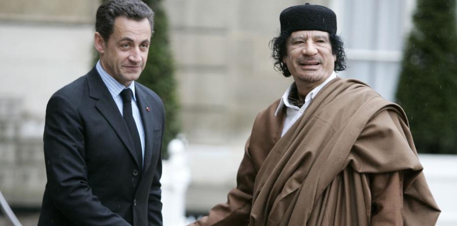 Presuntamente Sarkozy recibió millones de dólares de financiamiento de dictador Gadafi. (AP) (horizontal-x3)