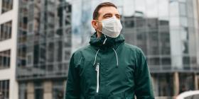 Todo lo que se sabe sobre la versión de que el virus puede transmitirse al hablar