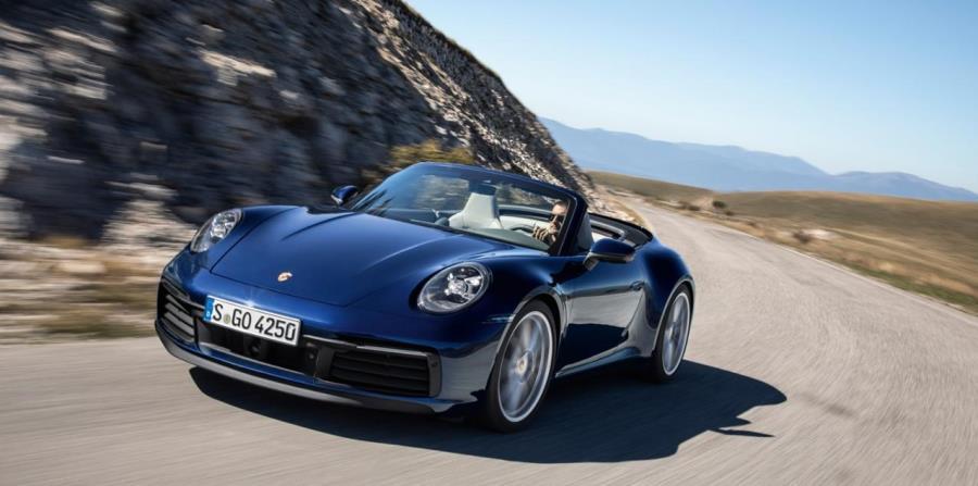 El Porsche 911 Cabriolet estará inicialmente disponible en versiones Carrera S con tracción trasera y 4S con tracción integral. (horizontal-x3)