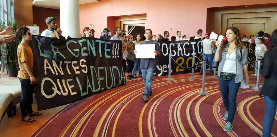 manifestantes (horizontal-x3)