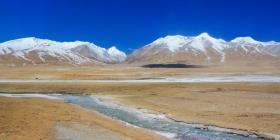 Descubren bacterias y virus desconocidos congelados en el Tíbet
