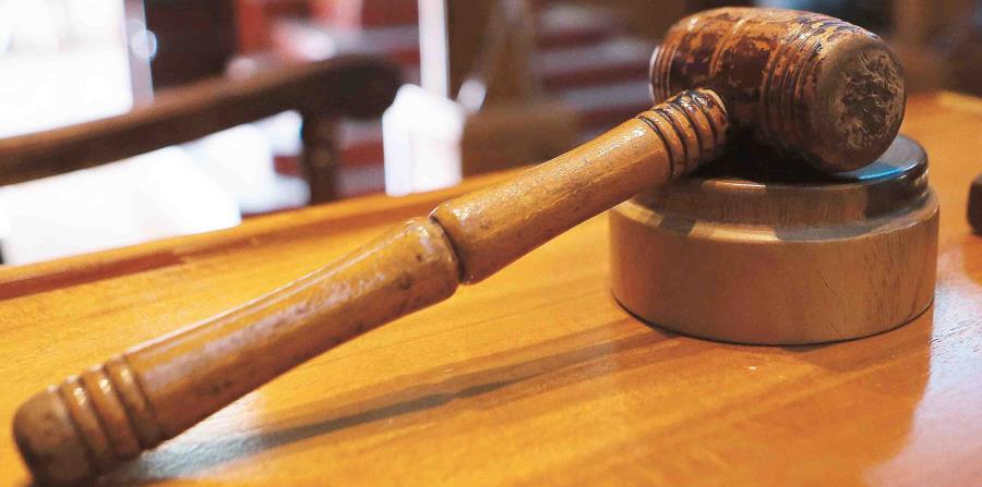 El juez superior Anthony Cuevas Ramos declaró ha lugar la petición de un injuction permanente radicada por varias organizaciones sindicales que representan a educadores. (GFR Media) (horizontal-x3)