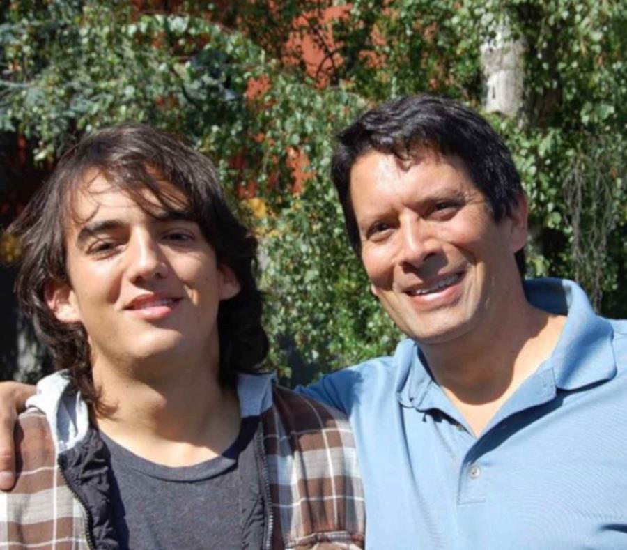 Nick Pineda, un aspirante a cineasta de 25 años, buscará junto a su padre documentar la realidad la de las poblaciones establecidas en la línea divisoria. (semisquare-x3)