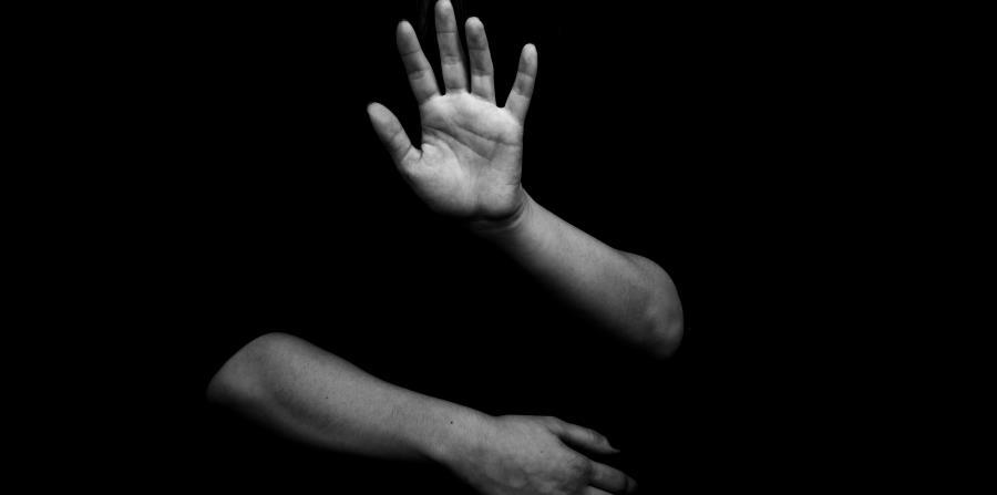 Más de 8,400 casos de violencia de género fueron reportados en la isla. (horizontal-x3)