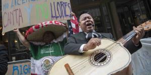 El abogado que arremetió contra hispanohablantes se disculpa