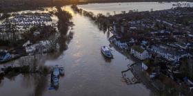 Más inundaciones impactarán a Gran Bretaña por el paso de la tormenta Dennis