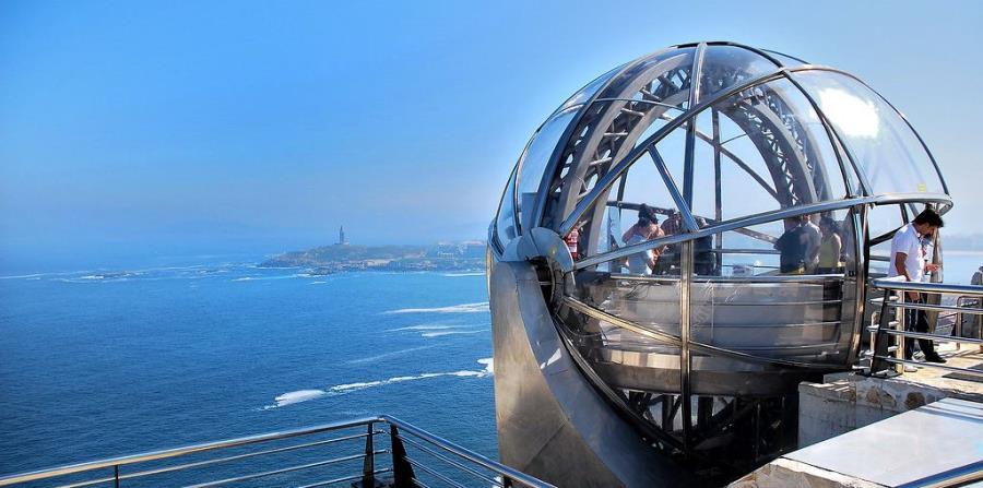 Para llegar al parque se puede tomar impresionante ascensor panorámico. (Suministrada)
