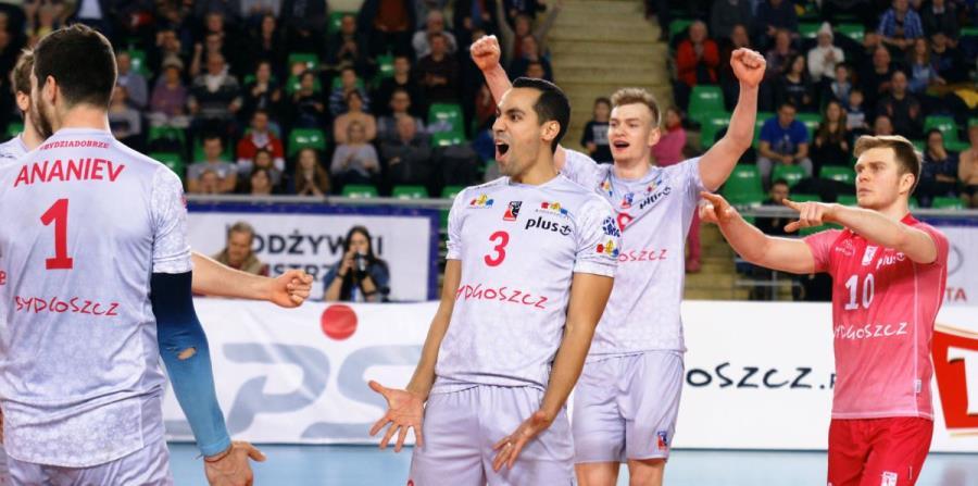 Edgardo Goas (con el número 3) participa en su cuarta liga extranjera. (Cortesía PlusLiga) (horizontal-x3)
