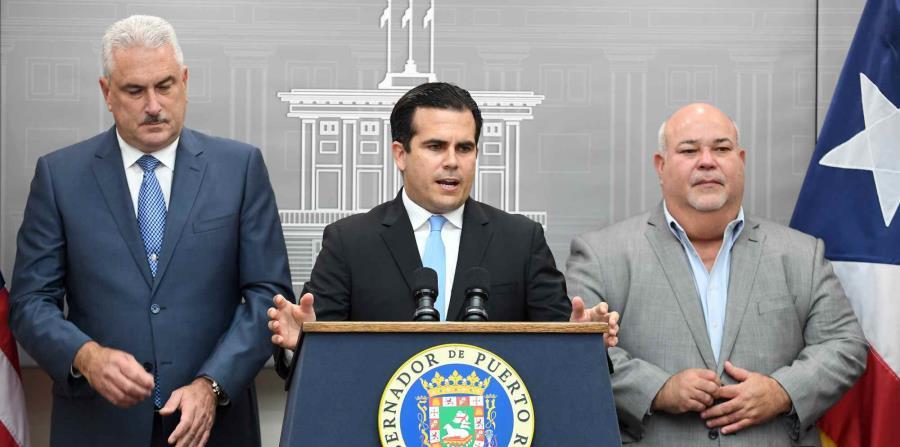 Ricardo Rosselló (centro) dijo que se trabaja para alcanzar un acuerdo con la JSF respecto al presupuesto para el año fiscal 2018-2019. (horizontal-x3)