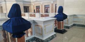 Colocan los bustos de Fortuño y García Padilla  en el Capitolio