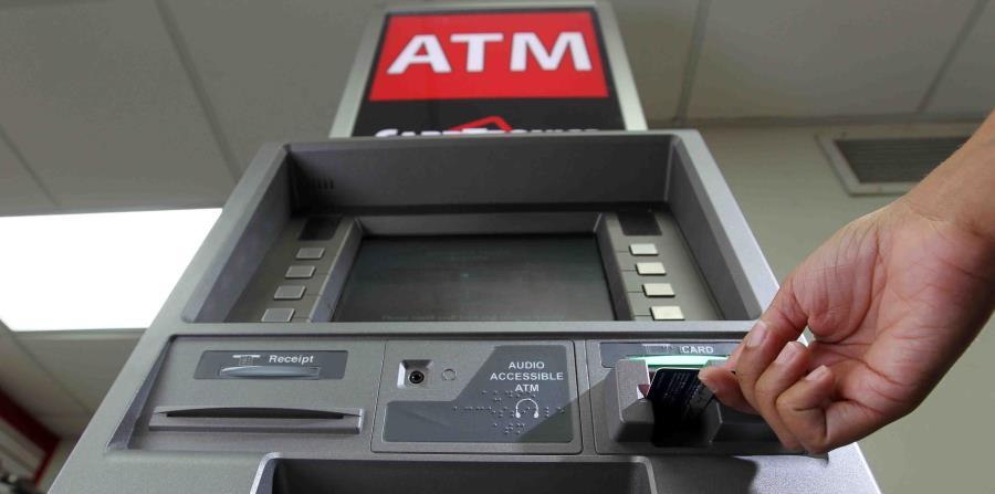 máquina ATM (horizontal-x3)