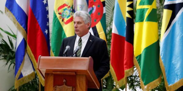 Cuba adelanta en internet, pero faltan 900,000 viviendas
