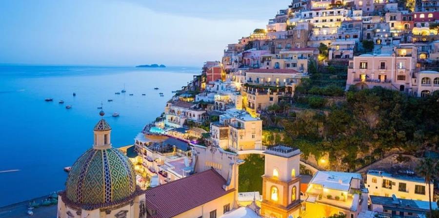 Amalfi es un colorido pueblo primordialmente pesquero, rodeado de montañas. (Suministrada)