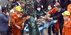 Un accidente en una mina mata a dos y deja 18 atrapados en China