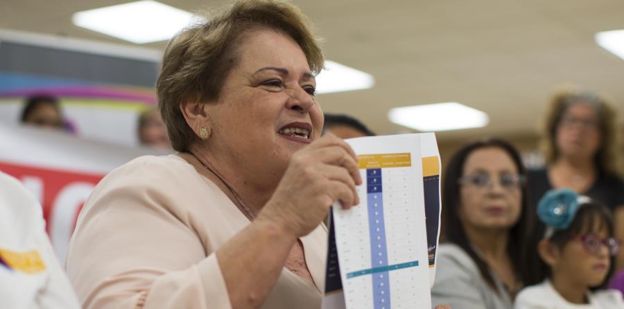 En la foto está Aida Díaz, presidenta de la Asociación de Maestros de Puerto Rico. (horizontal-x3)