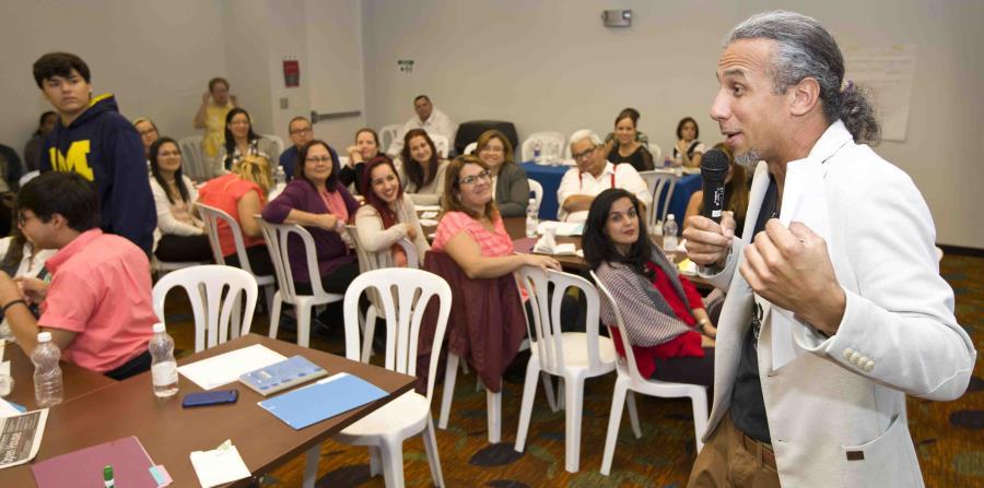 Carlos Muñiz Osorio le ofreció a maestros que pertenecen al programa ENDE un taller de Sustentabilidad y Derechos Humanos (horizontal-x3)