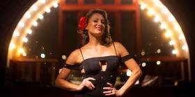 """Dakota Ferreiro regresa con nueva temporada de su espectáculo """"burlesque"""""""