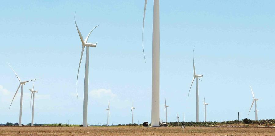 en carrera cuatro proyectos de energía solar y otro hidroeléctrico (horizontal-x3)
