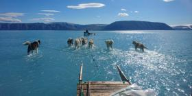 La impactante foto que muestra el derretimiento acelerado de Groenlandia