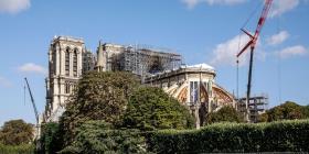 Reanudan las obras de Notre Dame de París con más medidas de seguridad