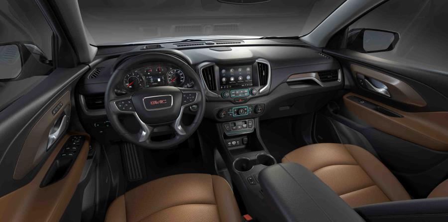 """GMC mantiene a sus pasajeros conectados con sistemas de infoentretenimiento de 7"""" y 8"""" diagonales, compatibles con Apple CarPlay y Android Auto, además de la tecnología OnStar."""