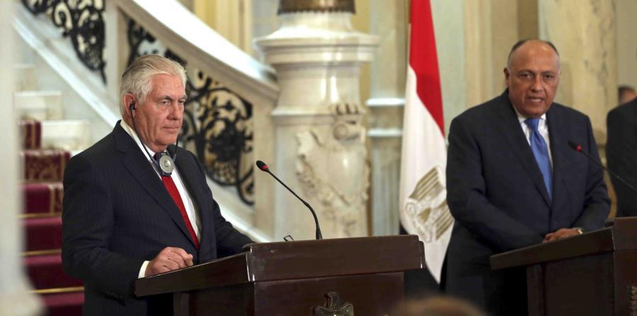 En la foto el secretario de estado de Estados Unidos, Rex Tillerson, a la izquierda, y el ministro egipcio de Exteriores, Sameh Shoukry. (horizontal-x3)