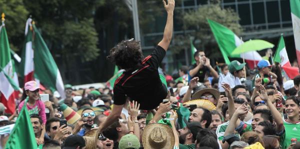 La fiesta de los mexicanos en Rusia no ha parado