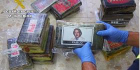 Juzgan a dos presuntos narcos que traficaban droga con la foto de Pablo Escobar