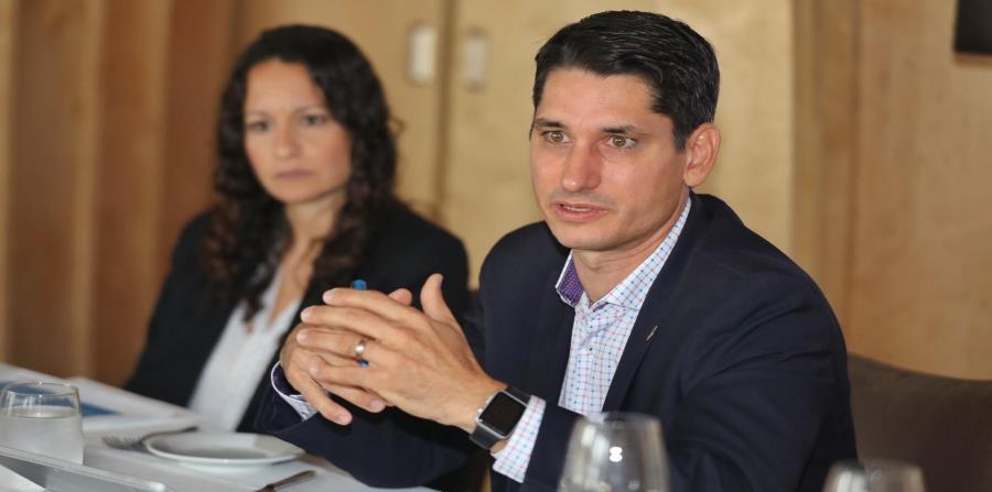 Maricarmen Nevado, gerente de Mortgage Default Management de Banco Popular, y José Teruel, primer vicepresidente de la División de Servicios de Crédito al Consumidor de la institución. (horizontal-x3)