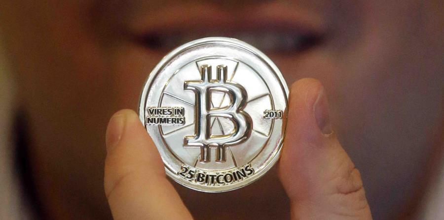 El bitcoin alcanzó en diciembre pasado un alto nivel. (AP) (horizontal-x3)