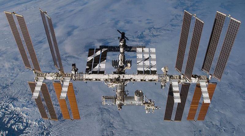Los astronautas revisarán un misterioso agujero en la Estación Espacial Internacional