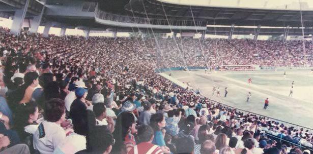 El estadio Juan Ramón Loubriel de Bayamón se llenó a capacidad en el séptimo juego. (Suministrada) (horizontal-x3)