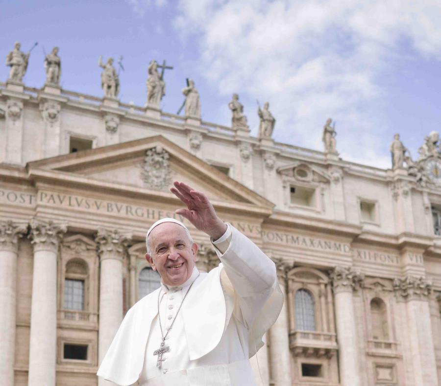 El papa Francisco (semisquare-x3)