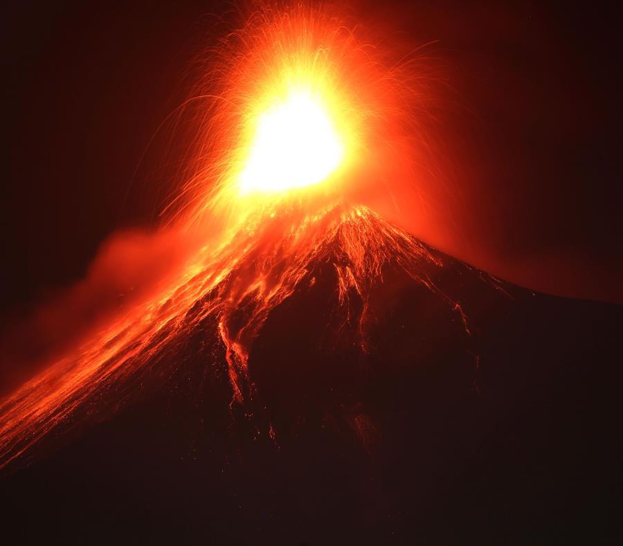 Según el Instituto Nacional de Sismología, Vulcanología, Meteorología e Hidrología (Insivumeh), la actividad del coloso, de 3,763 metros de altura, se inició esta madrugada. (semisquare-x3)