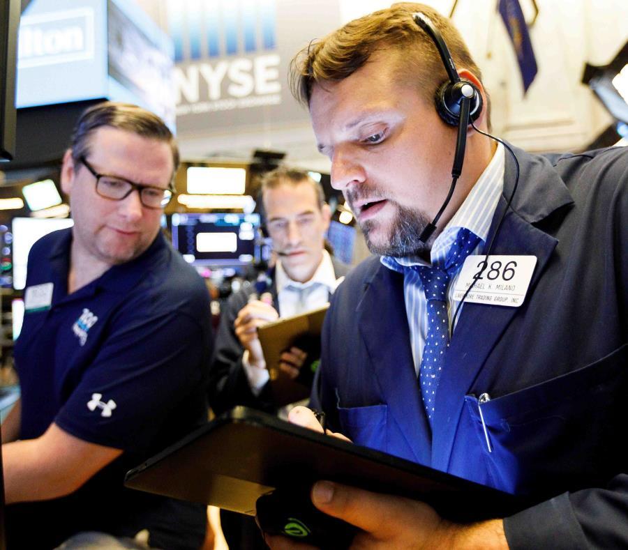 Wall Street cae ante la preocupación por la guerra comercial