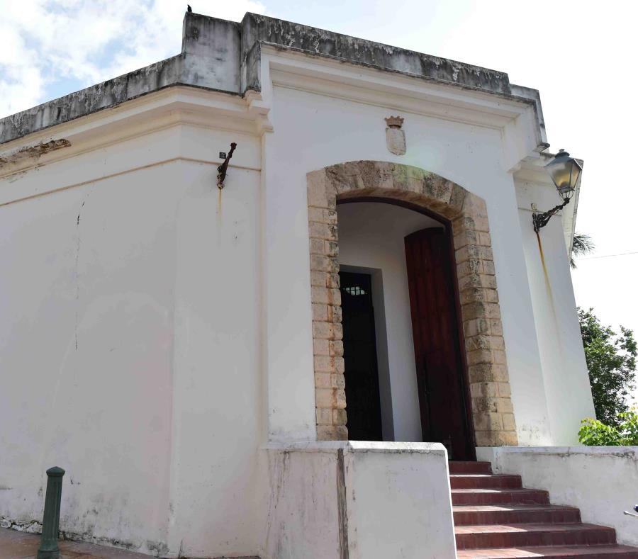 El Bastión está ubicado al lado de la sede del Instituto de Cultura Puertorriqueña (semisquare-x3)