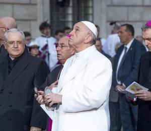 El papa Francisco usa Twitter, pero no WhatsApp