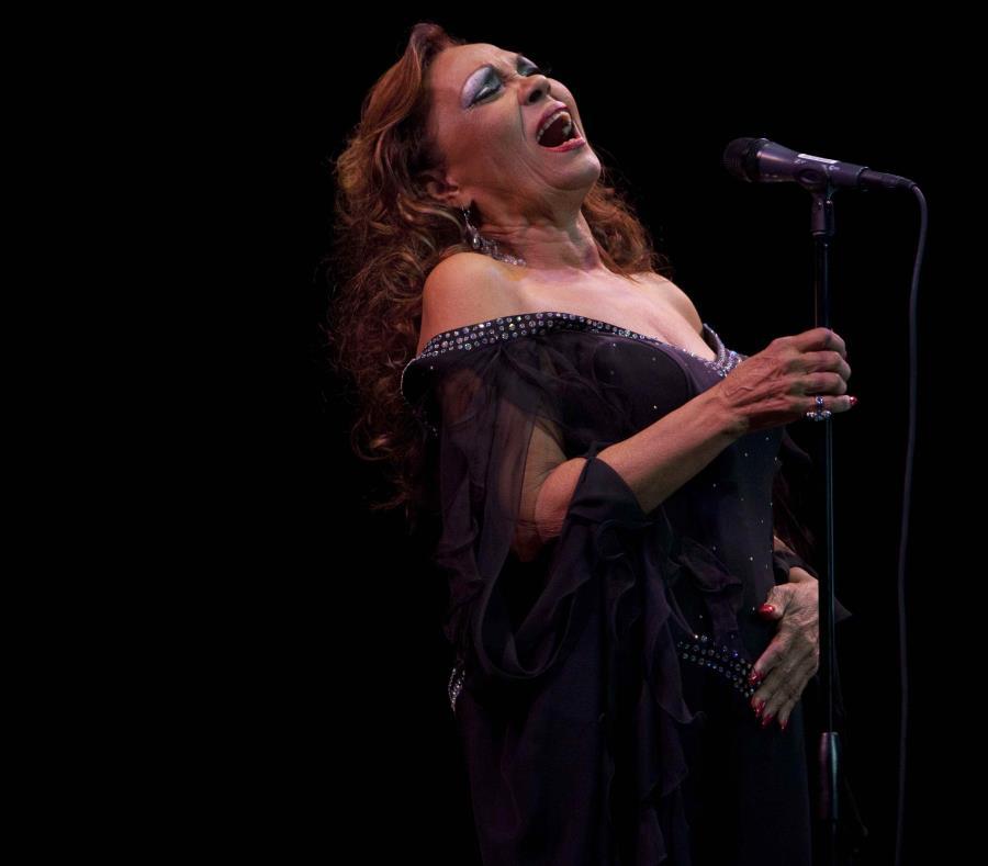 """Fabery  dio voz a canciones como """"El hombre que me gusta a mí"""" y """"Juguete"""". (semisquare-x3)"""