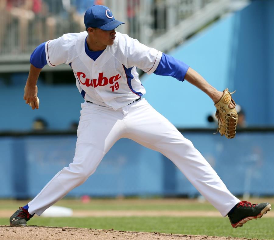 En la imagen de archivo, el lanzador cubano Lázaro Blanco en un juego contra Puerto Rico en los Juegos Panamericanos de 2015. (GFR Media) (semisquare-x3)