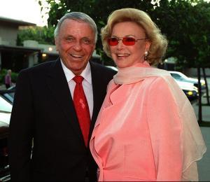 Artículos de Sinatra superan los $9 millones en una subasta