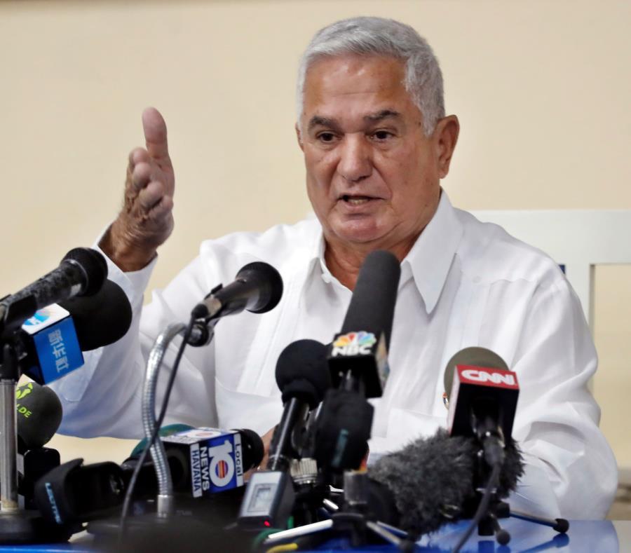 Higinio Vélez, presidente de la Federación Cubana de Béisbol. (EFE) (semisquare-x3)