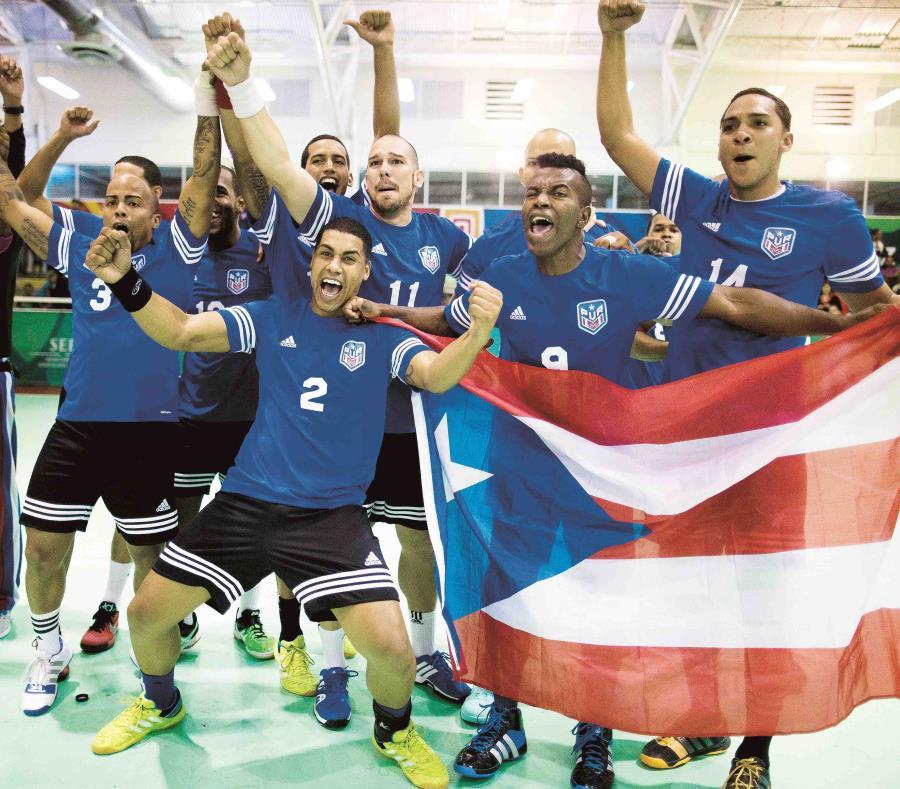 La Selección Nacional masculina de balonmano celebra su medalla de oro en los Centroamericanos de Veracruz 2014. (Archivo / GFR Media) (semisquare-x3)